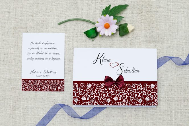 zaproszenie-slubne-ornament-kokardka-burgund