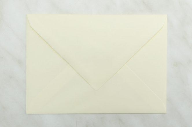 koperta-krzyzowa-c6-kremowa-10-szt-zaproszen-slubnych