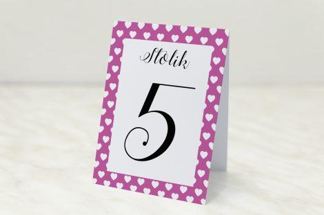numer stolika różowe serduszka