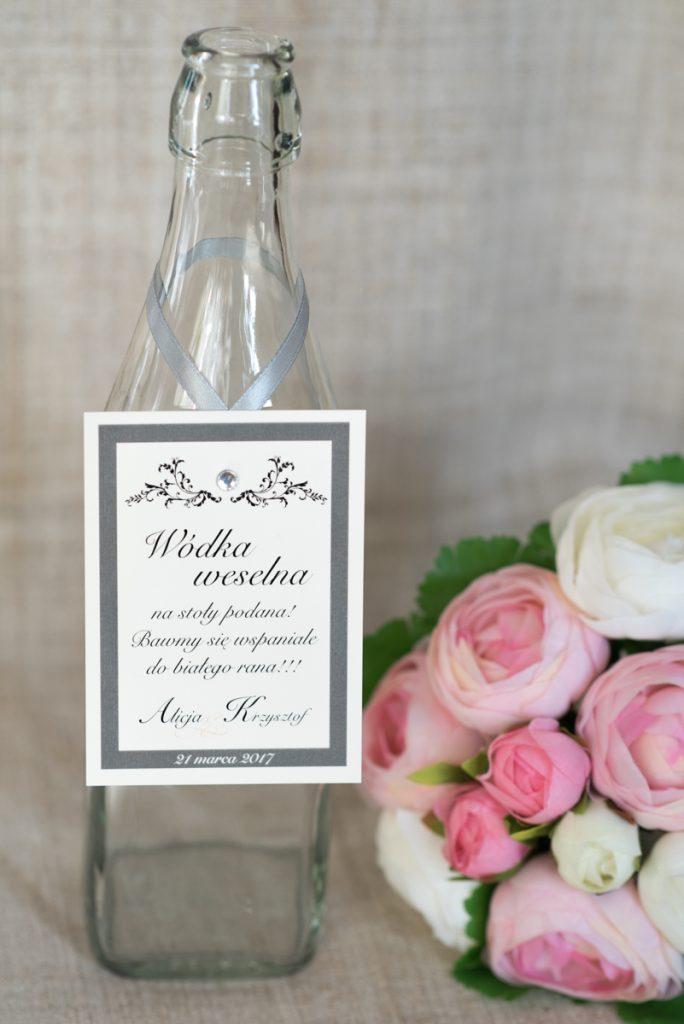 oryginalna zawieszka na alkohol weselny