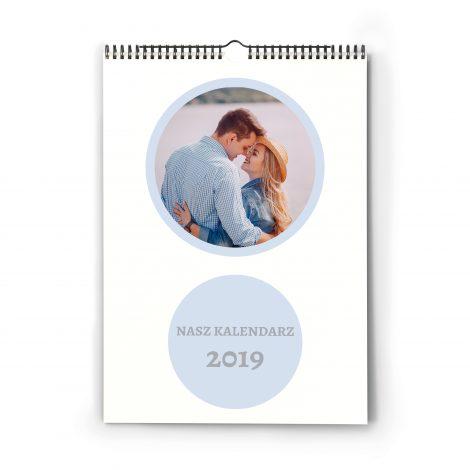kalendarz-scienny-ze-zdjeciem-wzor-1-kropeczki