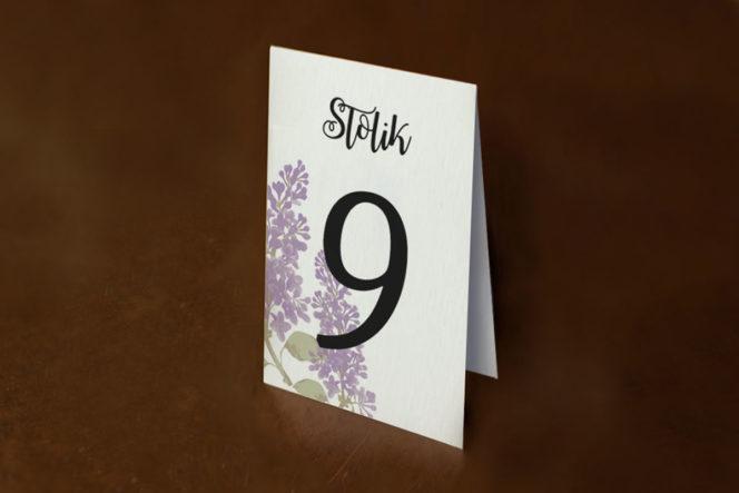 numer-stolika-rustykalne-zaproszenie-slubne-kwiaty-bzy