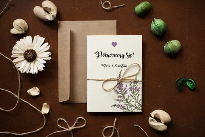 zaproszenie-rustykalne-kwiaty-wrzosy